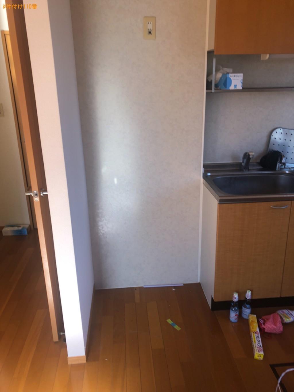 マットレス付きシングルベッド、食器棚、カラーボックス等の回収